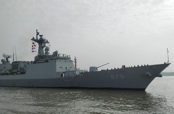 """韩国""""忠武公李舜臣""""和""""大青""""抵达上海 将与中国海军联合演练"""