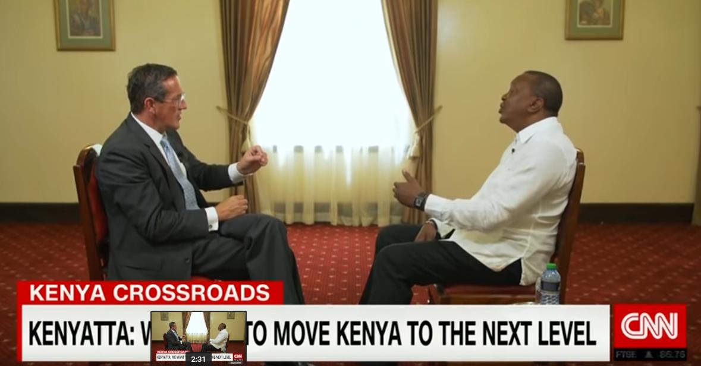 肯尼亚总统肯雅塔正在批准CNN记者奎斯特的采访
