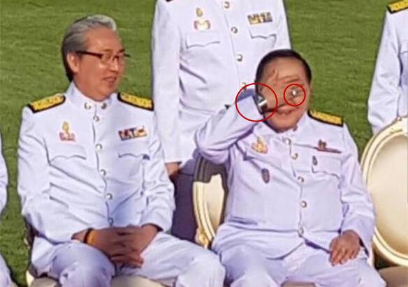 泰国副总理巴维佩戴名贵手表。(图片来源:泰国媒体资料图)