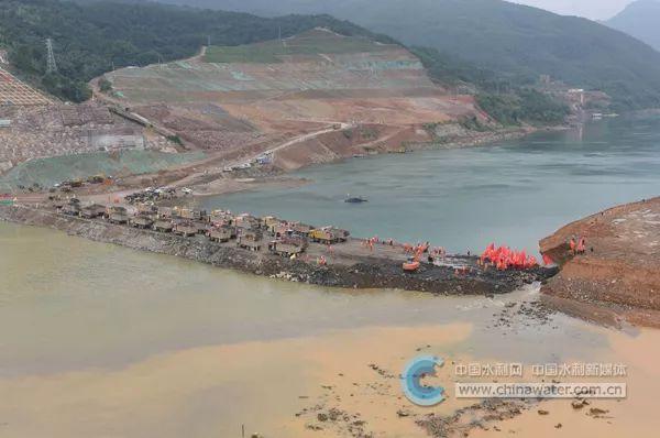 大藤峡水利枢纽工程成功实现截流。 本文图片 中国水利网