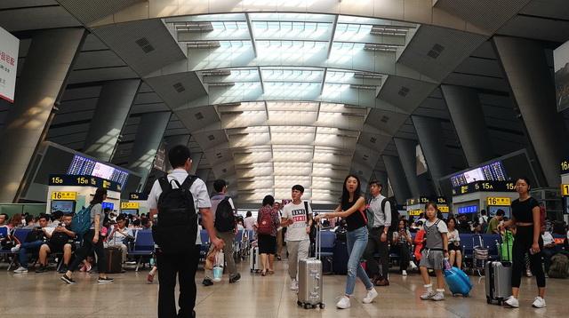 上海金融法院:成立一周年案件6600件 标的1100亿