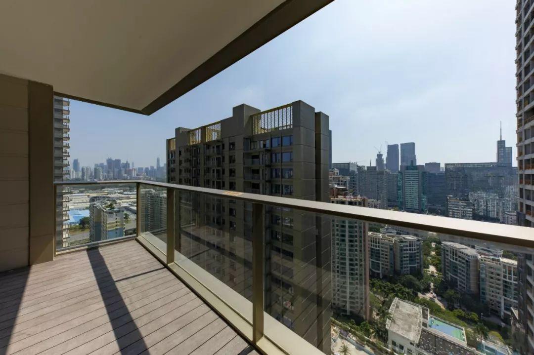 深圳疯狂购房:2800个土豪抢192套豪宅 起步价1500万