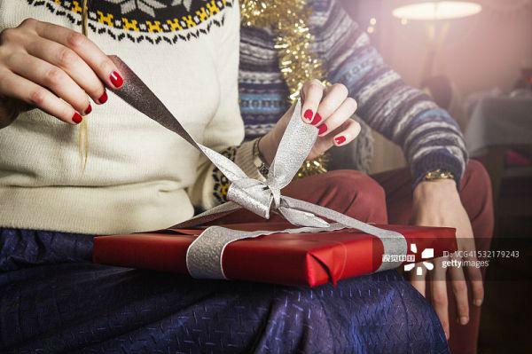 圣诞礼物的创意图片。来源:视觉中国