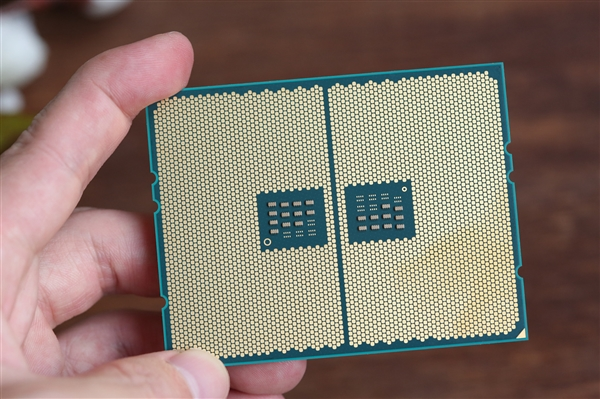 AMD霄龍系列封裝接口SP3、一二代撕裂者TR4接口的觸點定義發布