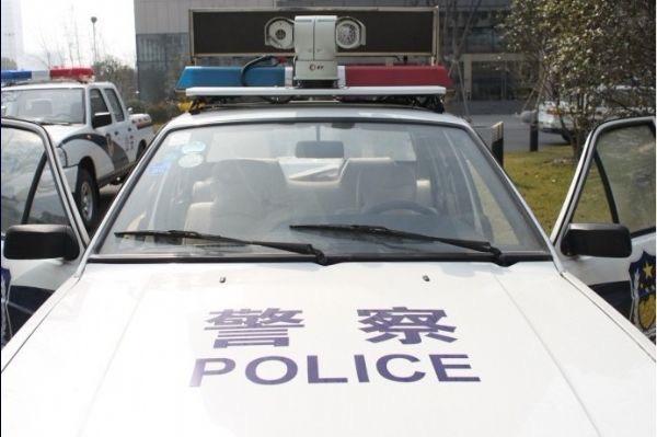 中国警车使用的典型的车牌识别系统外观。