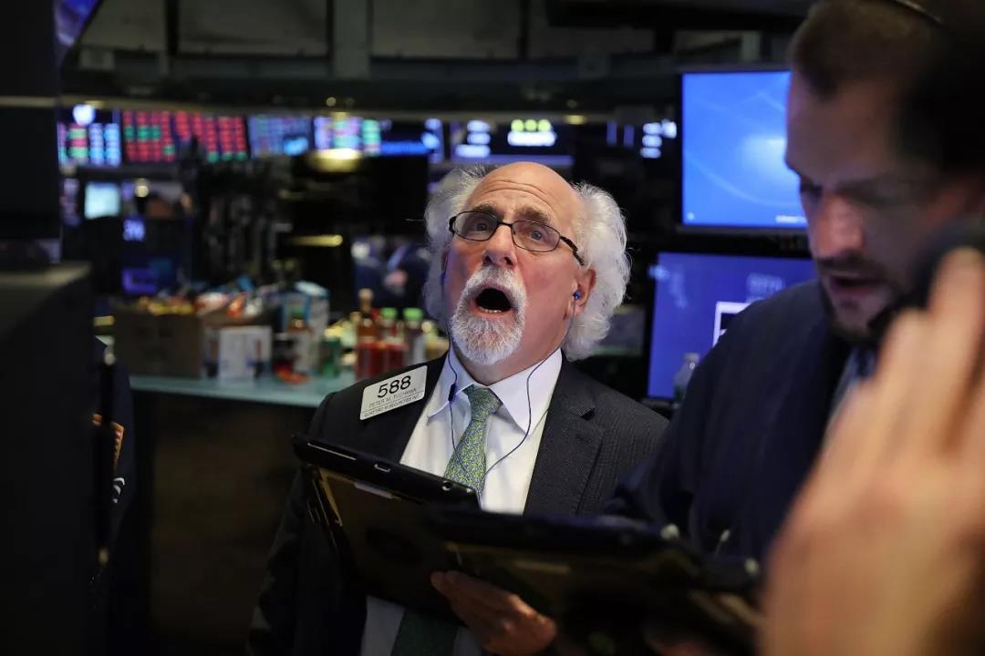 """""""股灾""""再现?美股昨日惨遭血洗 全球股市接力暴跌的照片 - 1"""