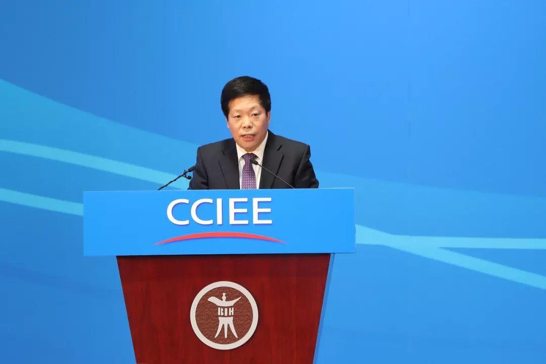 ▲12月22日,北京,2018—2019中国经济年会,中间财经委员会办公室副主任韩文秀说话。(视觉中国)
