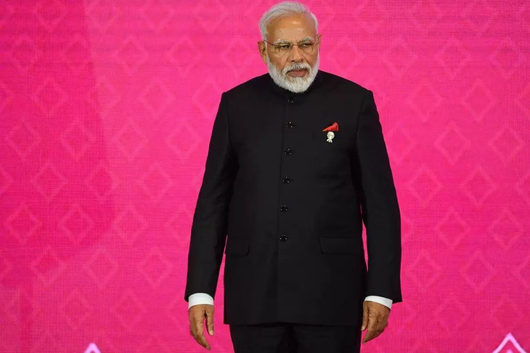 ▲当地时间11月4日,印度总理莫迪在泰国曼谷出席第三次区域全面经济伙伴关系协定(RCEP)领导人会议。