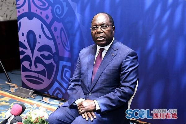 刚果(布)总理穆安巴:民间交往是中非友好的支柱