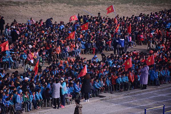 四川省戒毒管理局机关深入凉山学校进行禁毒防艾宣传。