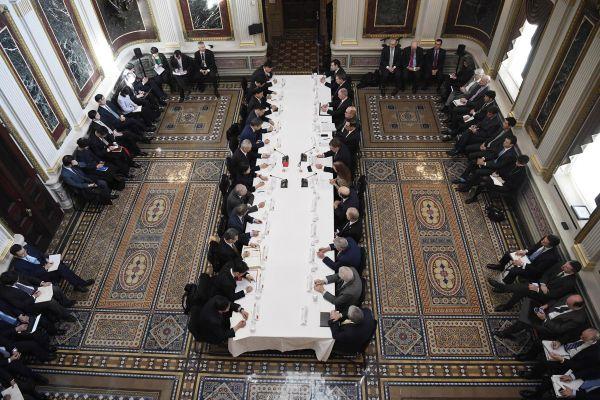 资料图:2月21日,第七轮中美经贸高级别磋商在华盛顿举行。(新华社)