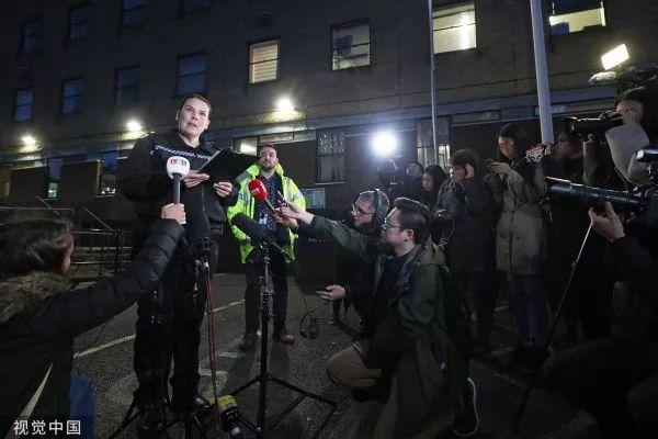 ▲当地时间10月25日,英国埃塞克斯,当地警察局副局长派帕·米尔斯在新闻发布会上强烈呼吁媒体和各界不要对遇难者身份,特别是国籍妄加猜测。