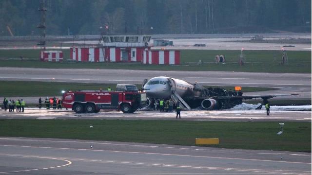俄罗斯航空一飞机起火迫降 致41人遇难的俄航客机是什么机型?