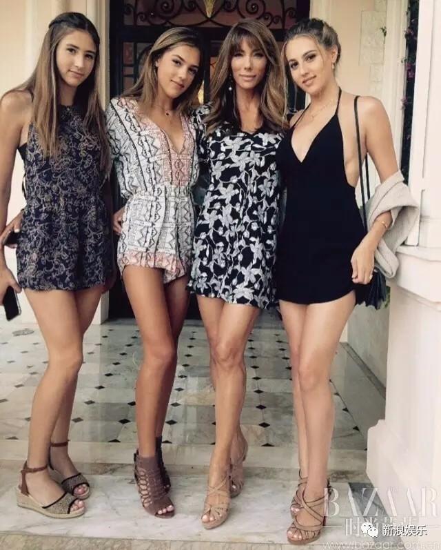 据说史泰龙家族的女人们都会打拳,这是他们家族必备的技能,无论是三姐妹还是她们的妈妈。