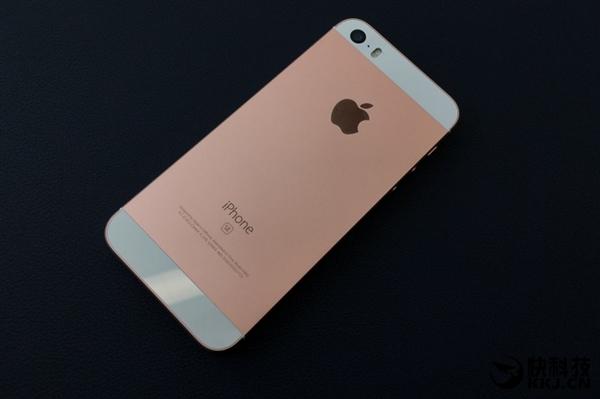 iPhone SE二代心酸 5.5英寸智能手机成大家最爱的照片