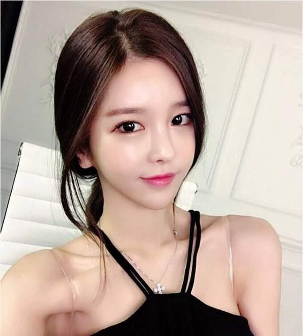 韩国第一女主播尹素婉微博发新照 真要签约斗鱼? 娱乐八卦 第6张