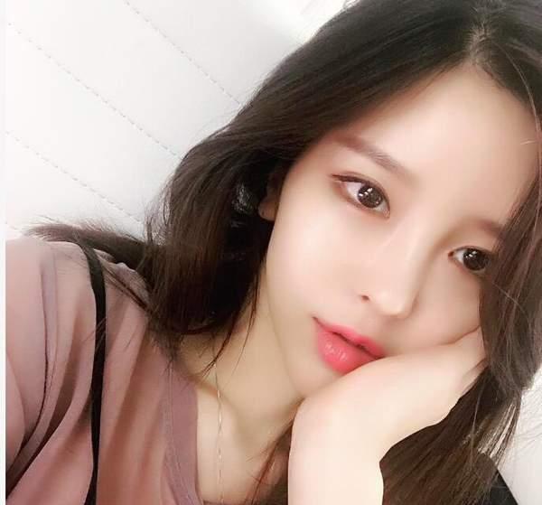 韩国第一女主播尹素婉微博发新照 真要签约斗鱼? 娱乐八卦 第9张