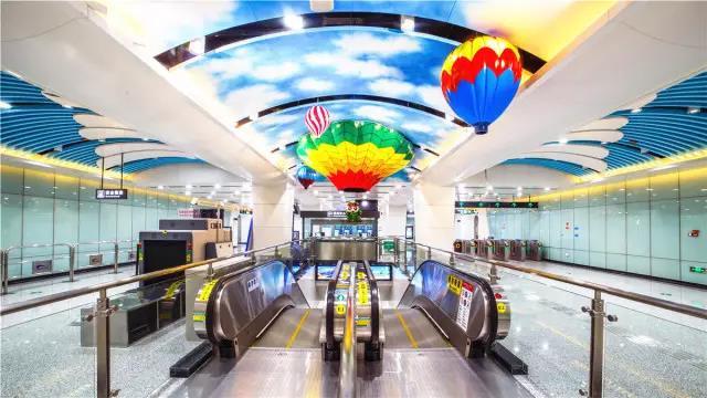 成都双流机场1号线_成都地铁10号线一期明日试运营 直达双流机场2号航站楼 双流机场 ...