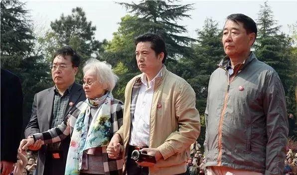 △今年清明节,刘少奇后人回故乡参加纪念活动