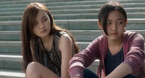 成年电影_而文淇出演的另一部电影《嘉年华》,同样触碰了社会敏感话题,把未成年