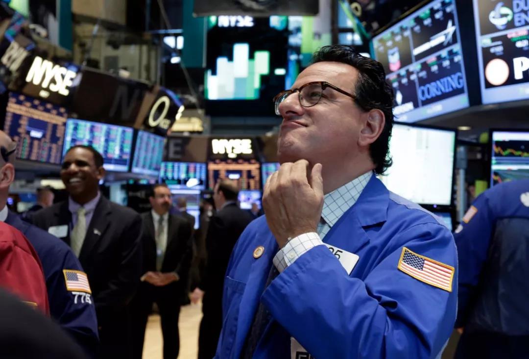 东京股市13日开盘大跌日经股指跌幅已超9%