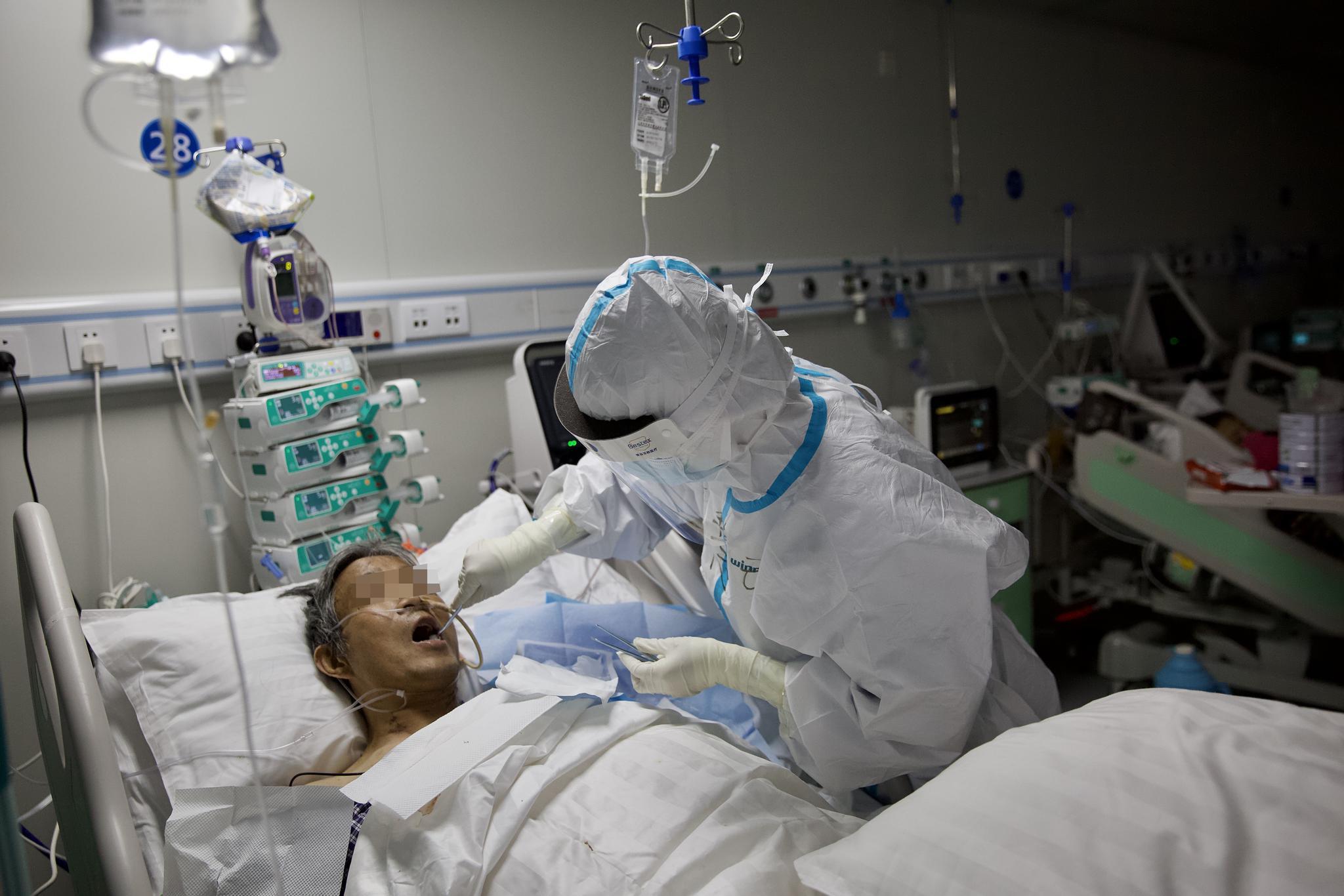 此前,医护人员在雷神山医院治疗新冠肺炎患者。新京报记者 郑新洽...</span></div>  <br /><a href=