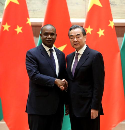 王毅谈中布复交:非洲现在仅一国还未同中国建交布基纳法索王毅中非