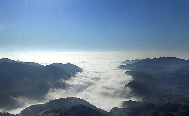 """不止九华山,池州还有一处""""悬在云中的净土"""",是当地最美的村落"""