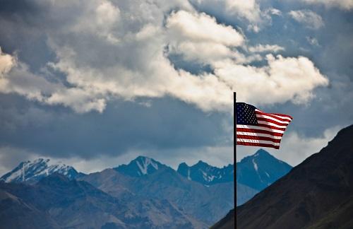 资料图片:美国国旗 新华社记者 申宏 摄