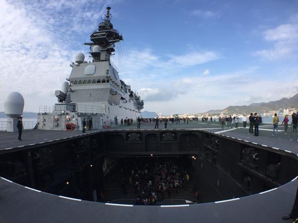 原料图:日本海上自卫队出云号直升机航母