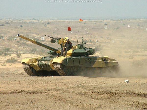 图为印度陆军装备的T-90主战坦克
