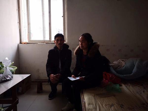 王梅父母称将向检察机关挑请抗诉。澎湃音信记者 宋蒋萱 摄