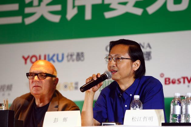 2018年6月13日,在上海举走的白玉兰奖评委见面会上,彭辉在说话(图片来源:东方IC)