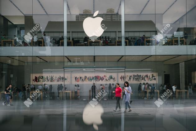 ▲2018年9月10日,街頭的一家蘋果專賣店 圖片來源:每經記者 張建 攝