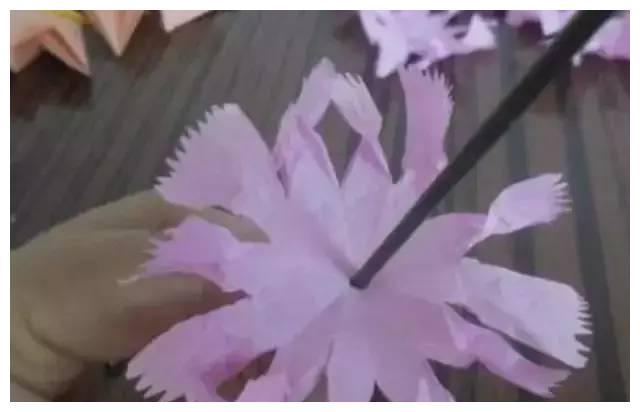 手揉纸康乃馨手工制作步骤解析