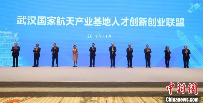 """评论:上海要为企业和人才提供更好的""""阳光雨露"""""""