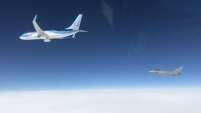 德国一架波音737客机通讯中断,意大利战机紧急升空拦截。(图源:意大利空军)