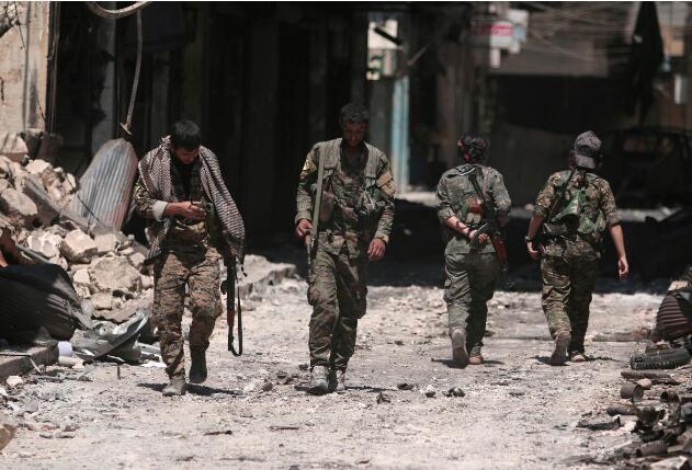 """叙利亚库尔德人主导的""""叙利亚民主军""""。(图:路透)"""