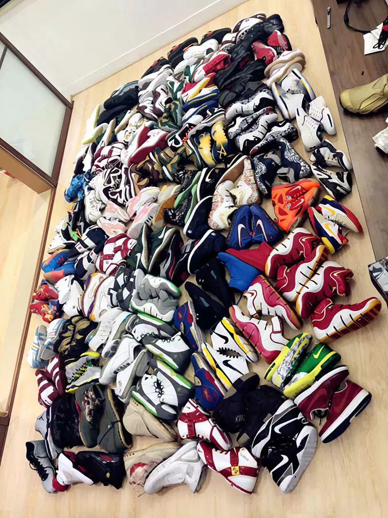 东哥收藏的各式鞋款。
