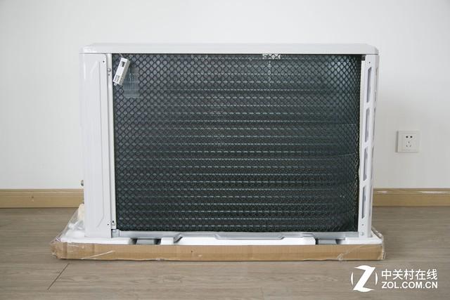 空调室外机配置了热交换器保护网