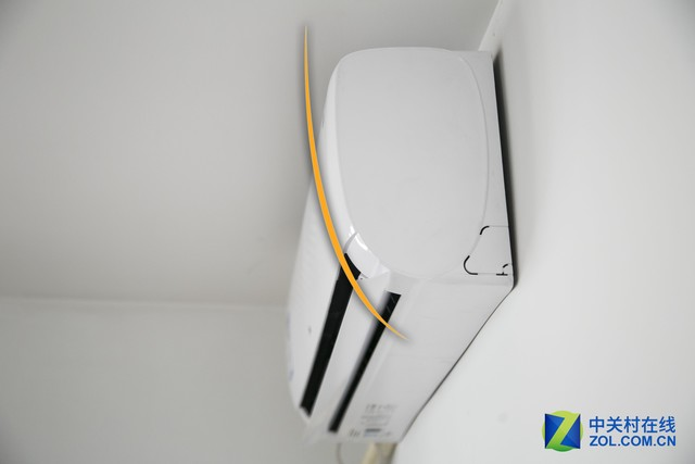 弧形造型和超薄设计让产品更节省空间