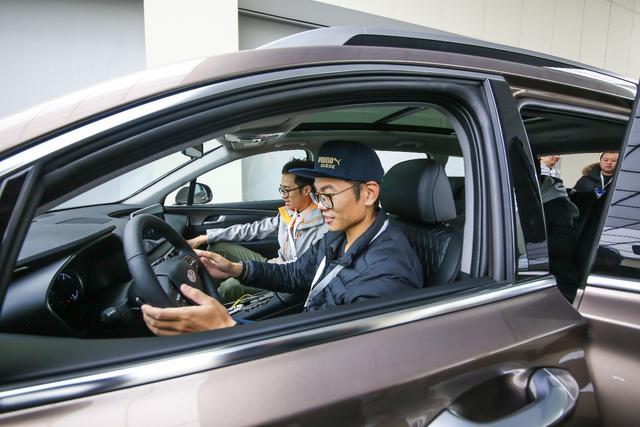科技互联旗舰SUV 体验北京现代第四代胜达