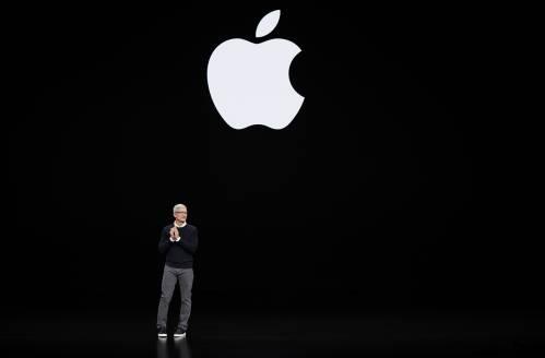 3月25日,在美国加利福尼亚州丘珀蒂诺,苹果公司首席执行官蒂姆·库克出席春季发布会。新华社/美联