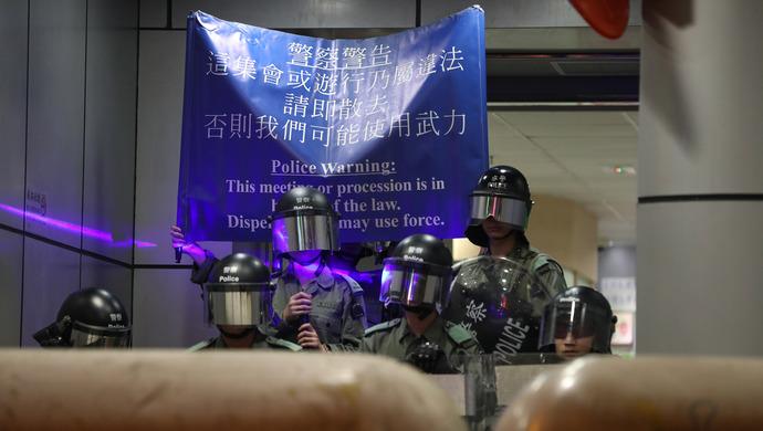 【上�^直�粝愀邸棵耜�明日游行集��申�被�g回,之前警方已�l反�νㄖ���