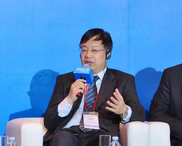 邓建玲出任中国华能集团总经理
