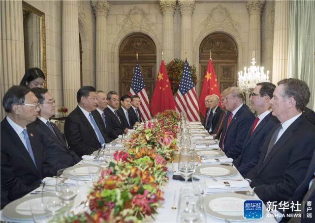 ↑当地时间12月1日,国家主席习近平答邀同美国总统特朗普在阿根廷布宜诺斯艾利斯共进晚餐,举走会晤。新华社记者 李学仁 摄