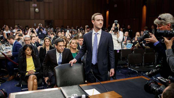 现在,谁都可以踹Facebook一脚