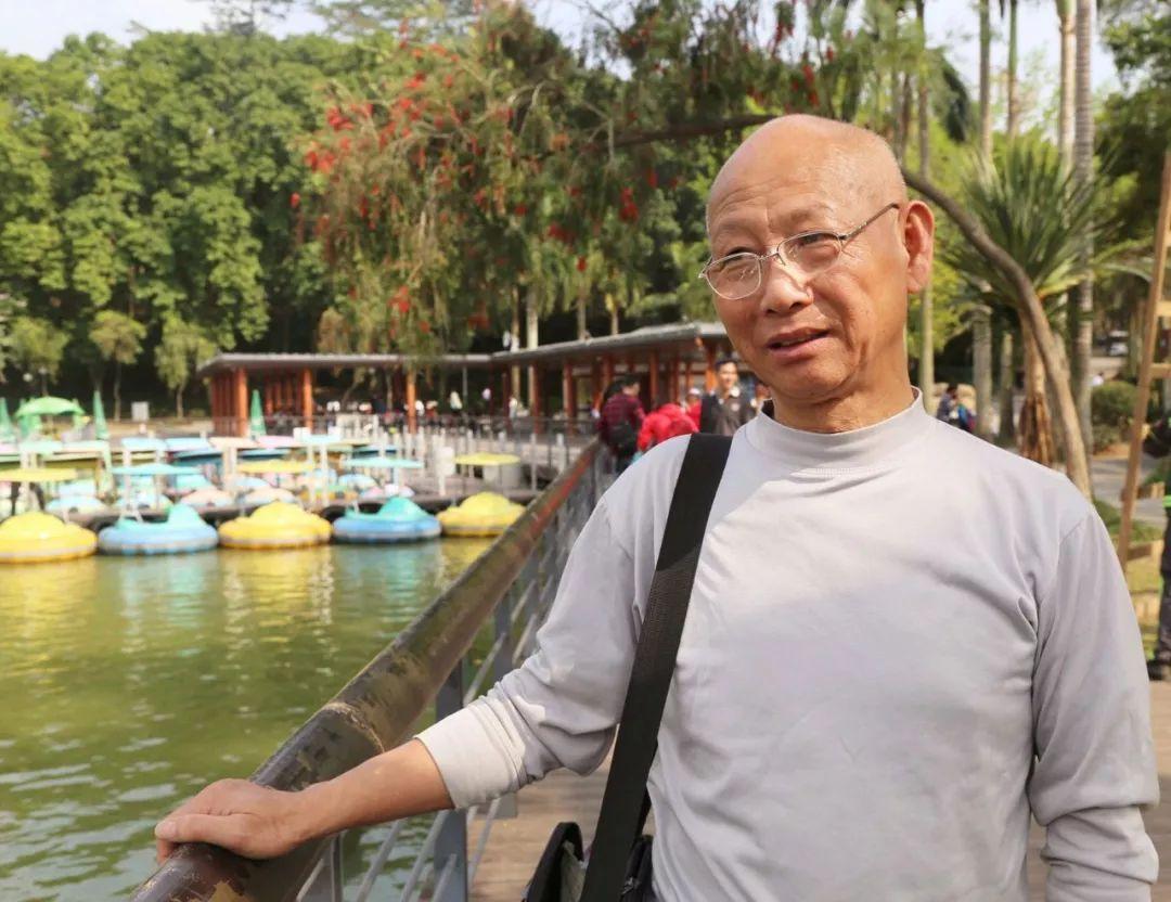 68岁大爷相亲两年找到真爱 跟我结婚赠送4套房