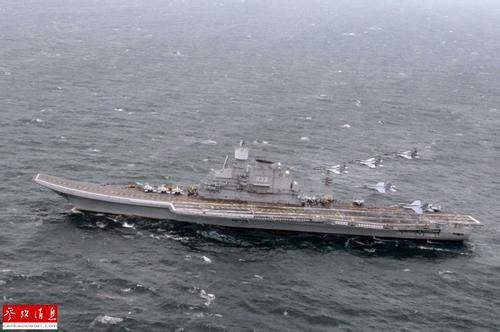 图为印度海军航母