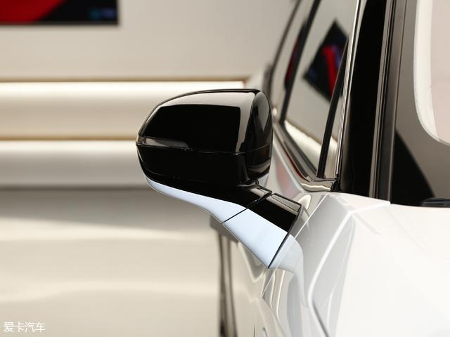 推薦基準版 新能源汽車蔚來ES8購車手冊